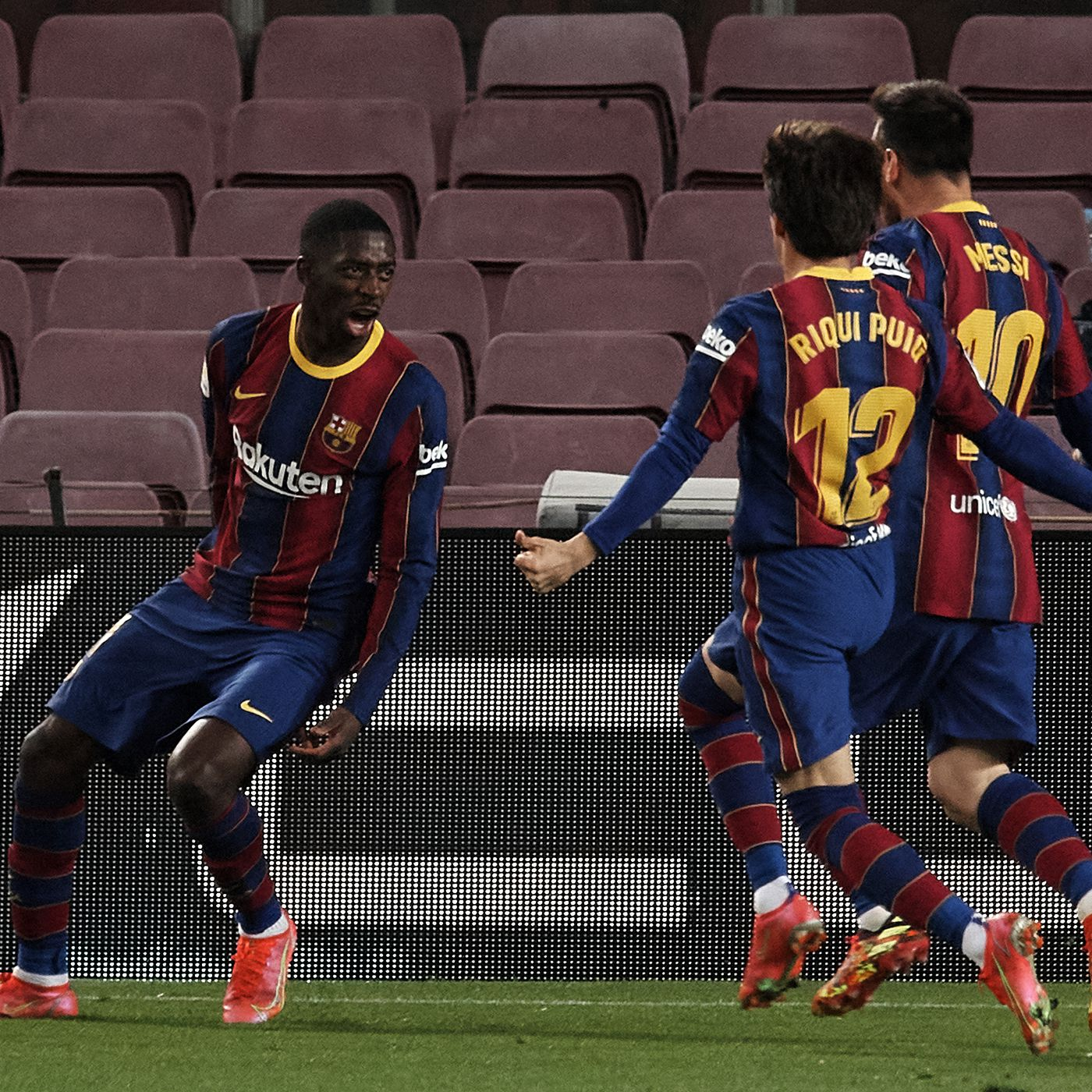 Barcelona move up to second against Valladolid